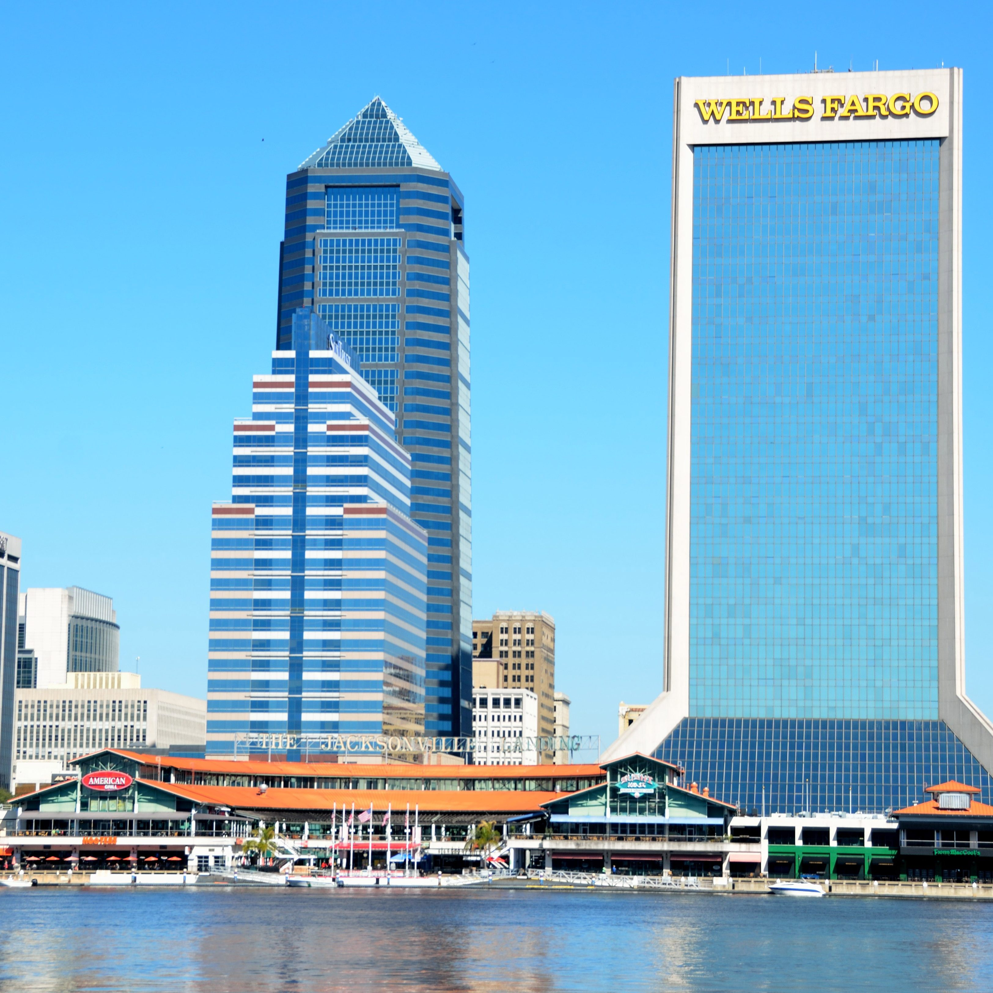 skyline-and-towers-in-jacksonville-florida